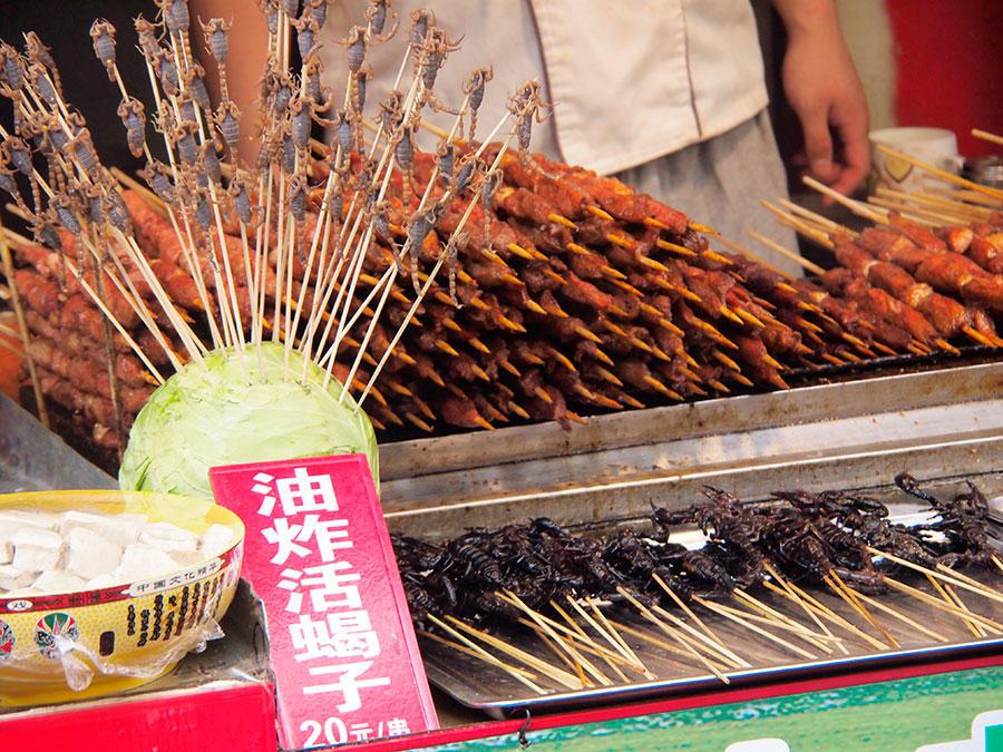 Escorpiones listos para comer