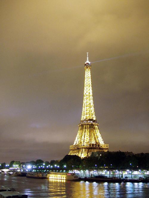 El faro de París 2